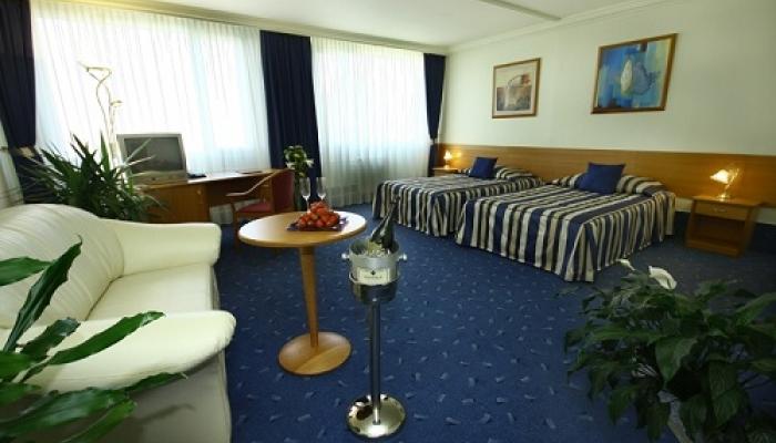 42f66447d Praha, Top Hotel**** s neobmedzeným wellness v štandardnej izbe + ...